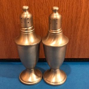 Web pewter weighted salt and pepper mills EUC